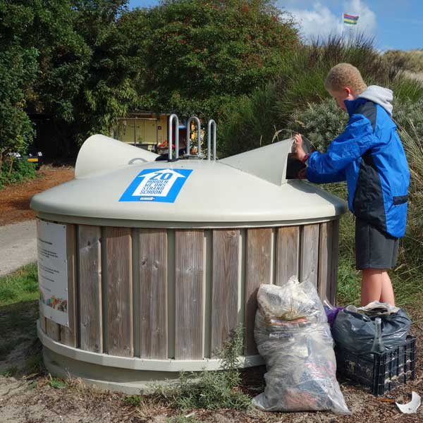 plastic afval in plastic container
